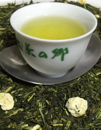 банча с цветами чая